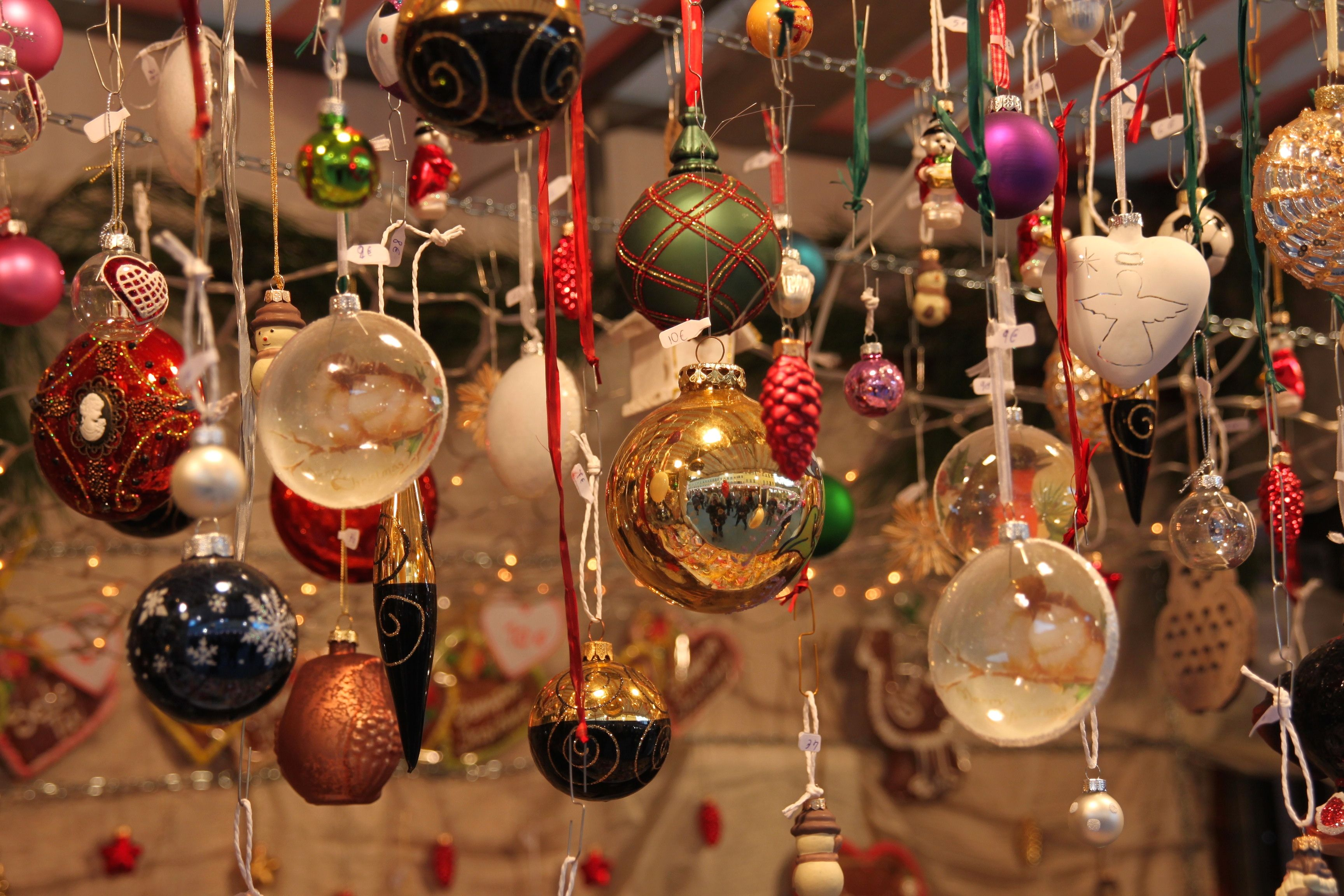 Italian 101 how to say merry christmas and happy new for Decor in italian
